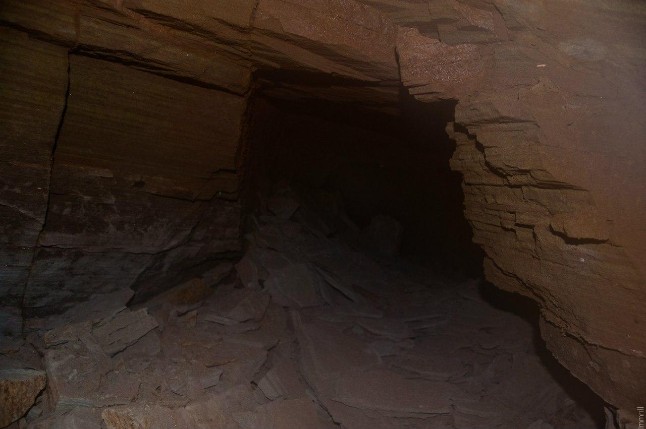 Старинный рудник