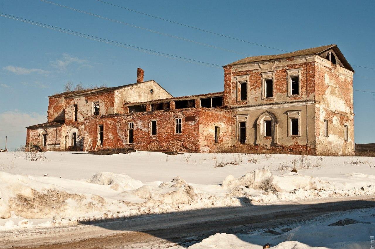 Руины Христорождественского собора поселка Юг