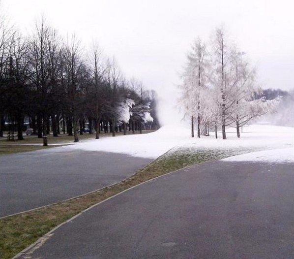 Загрузка зимы. Пожалуйста, ждите