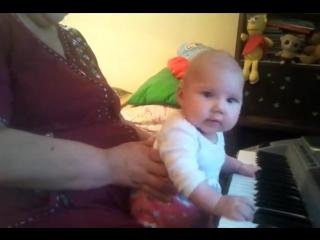 Пианистка Арина 2012