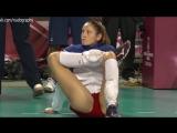 Волейболистка Татьяна Кошелева разминается перед матчем в Токио (2014)