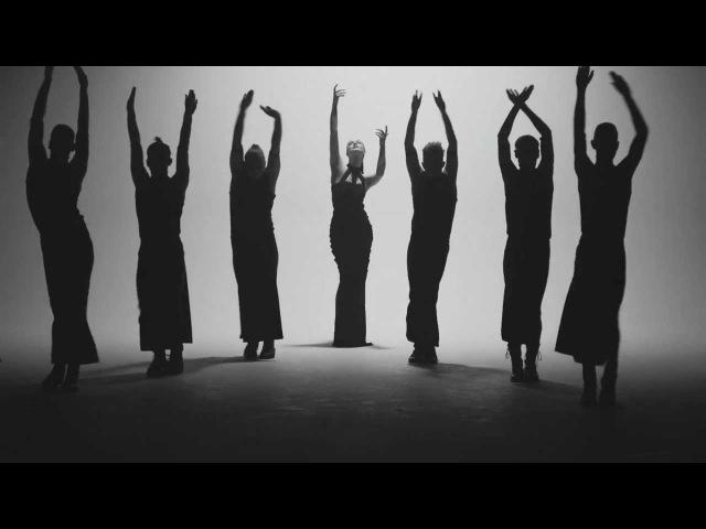 Jenni Vartiainen - Suru on kunniavieras (Virallinen musiikkivideo)