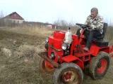 Трактор Бухмирова в работе