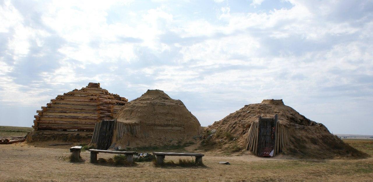 Реконструкция жилищ каменного века (30.06.2016)