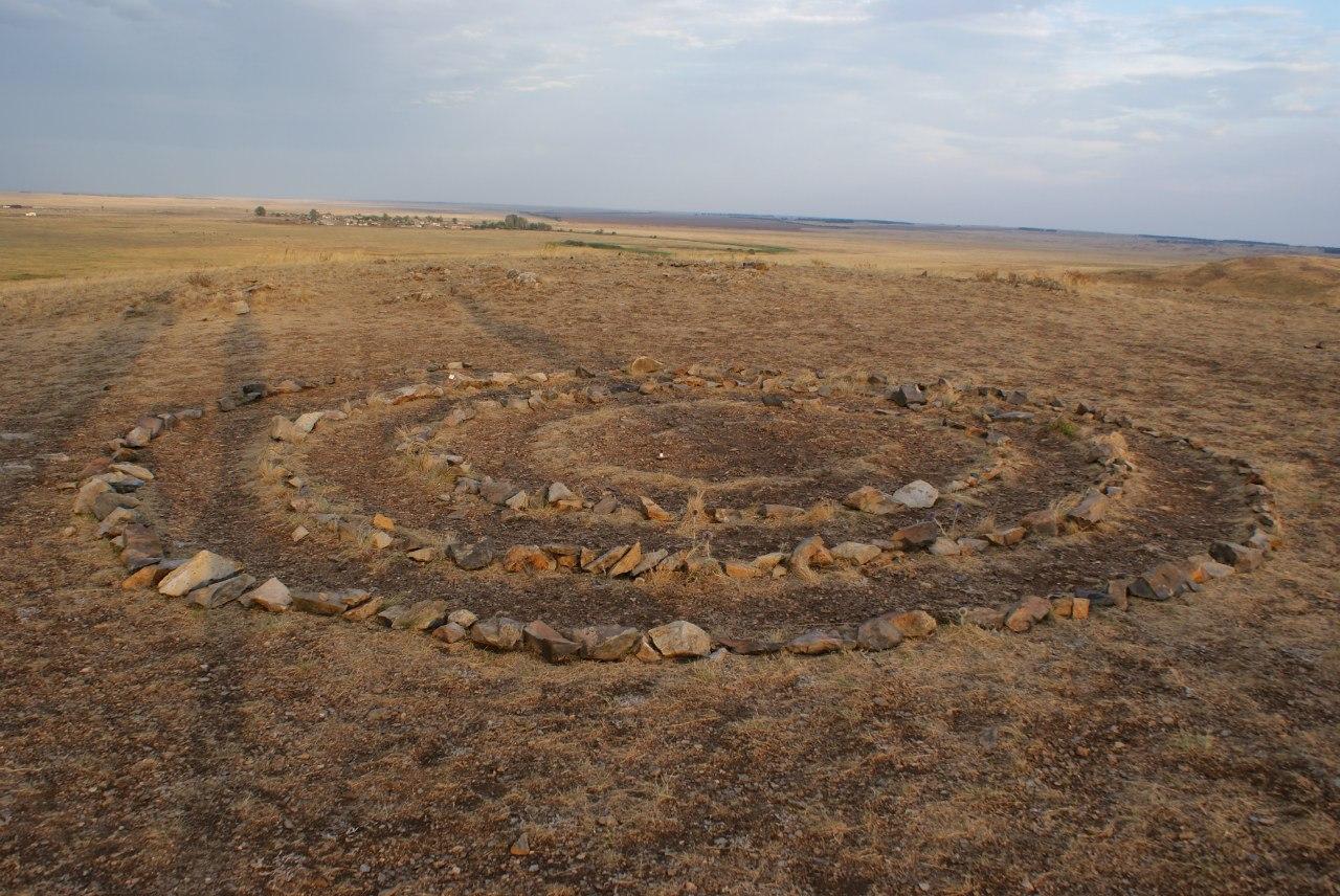 Каменная спираль на горе Здоровья  (30.06.2016)