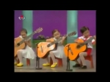 Корейцы играют Мурку на гитаре