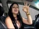 Estudante de Direito bêbada em Vitória ES fuma nota de 50 reais tenta ligar carro com canudinho