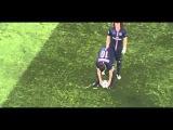 David Luiz moves the shaving foam vanishing spray during PSG-Chelsea 2015
