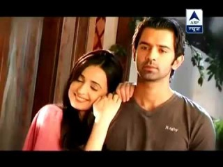 IPKKND - SBS : 7th August 2012 (Khushi try to convince Arnav)