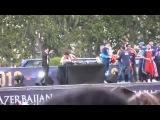 Arda Turan kupa kutlamalarına Azerbaycan bayrağıyla çıktı -