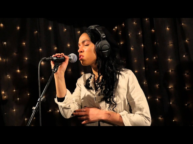 FKA twigs - Two Weeks (Live on KEXP)