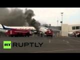 В аэропорту в Казахстане загорелся пассажирский самолет