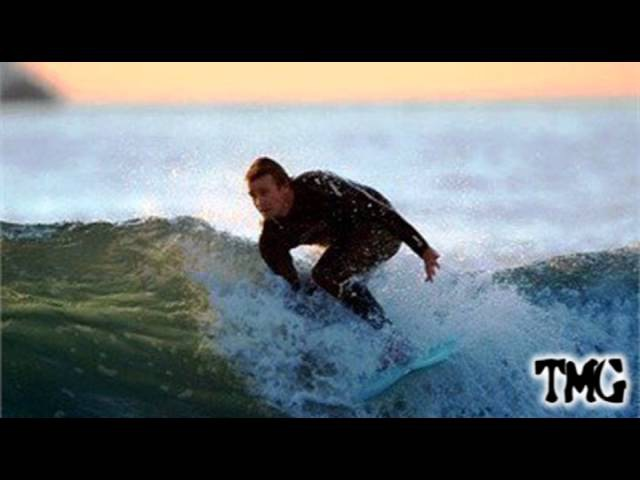 Simon Baker | Beach Surfing Time
