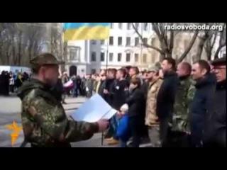 Правый сектор возглавил олигарх Коломойский  Из Киева они переселяются в Днепропетровск