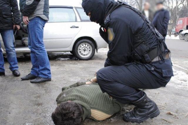 В Таганроге инспекторы ДПС задержали молодого человека, объявленного в федеральный розыск