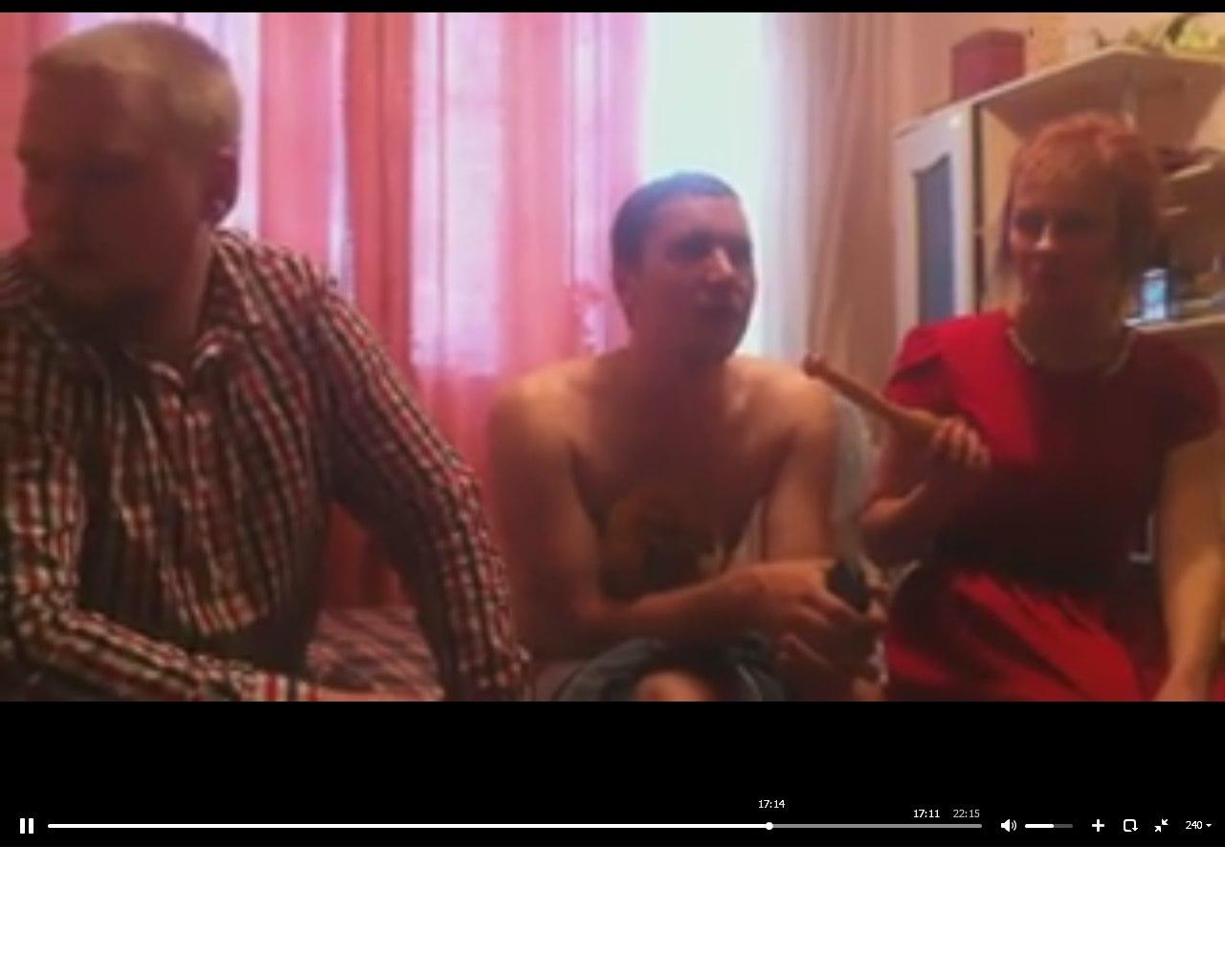 лесбиянка совращает девочку видео