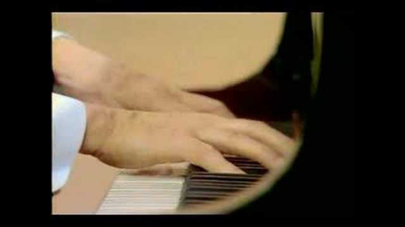 Wilhelm Kempff plays Beethoven's Moonlight Sonata mvt. 2