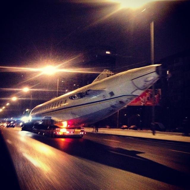 Перевозка Ту-134А-3 специального назначения по Киеву