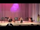 Школьницы танцуют тверкинг Оренбург Танец пчелок