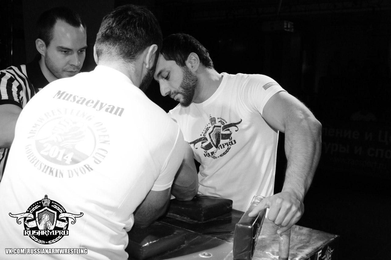 Mger Musaelyan vs. Khadzimurat Zoloev - Armwrestling Open Cup 2014