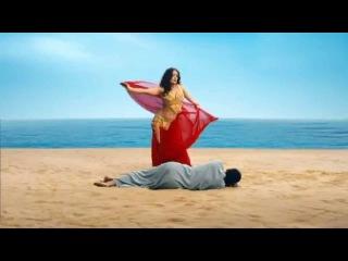Salma Hayek baila belly dance