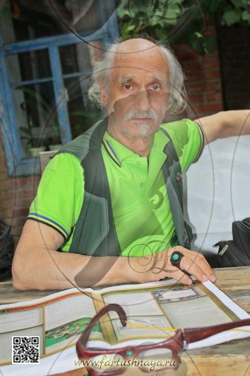 Михаил Ильяев. Скульптор, резчик по дереву. Учитель. Автор многочисленных книг и пособий по резьбе.