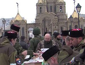 Жители и защитники Алчевска отпраздновали Крещение Господня под гул канонады (ВИДЕО)