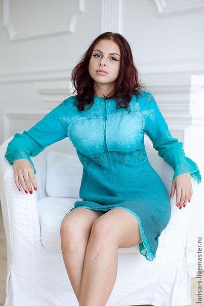 Цельно валянное на шаблоне платье из шелка и шерсти. .  Работа выполнена в технике мокрого валяния, по собственной...