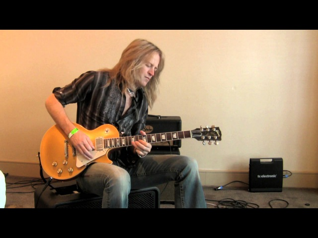 Doug Aldrich (Whitesnake): Slow Blues Loop using Ditto Looper Flashback x4 Download