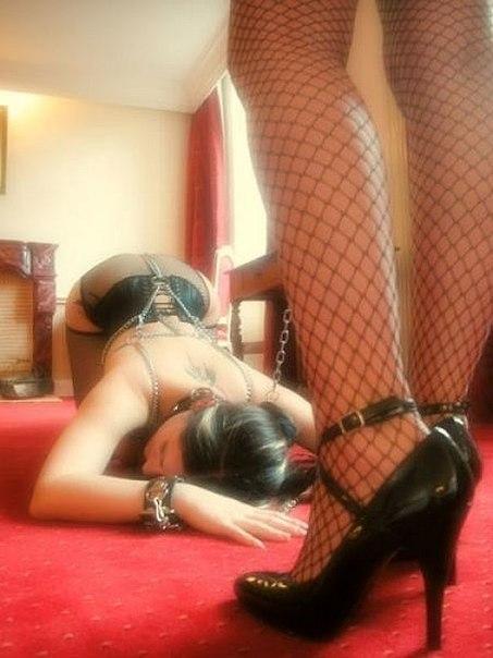 рабыня исполняет любые желания привлекательные