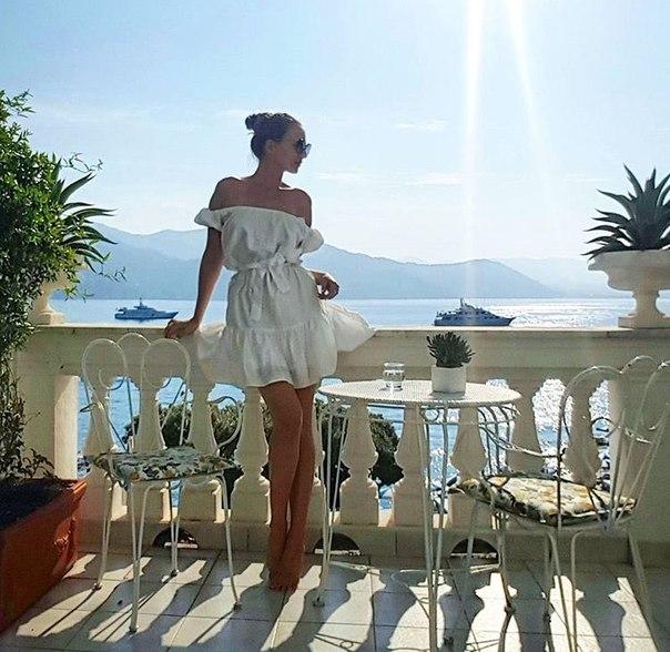 From Italy wiyh love.... Нежное хлопковое платье Laroom из коллекции basic. #lar...