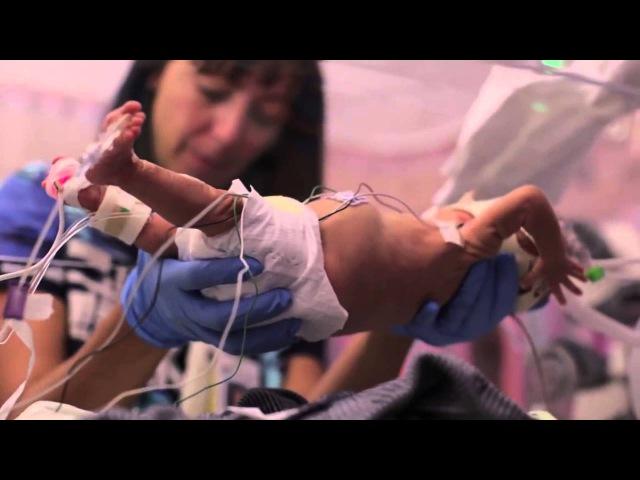 Малыш родился на 3,5 месяца раньше. Папа снял о нём фильм