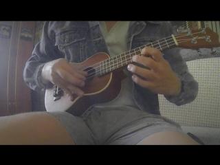 Эту мелодию ты узнаешь из тысячи #псковскоепорно #укулеле