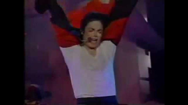Michael Jackson Earth song. сумашедший фанат.flv