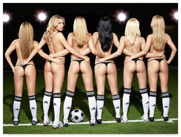 Сексуальные девушки и футбол (31 фото) .