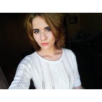 Анна Сурина