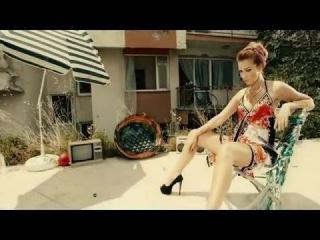 Petek Dinçöz - Çekil (Turkish Summer Song) (2015 HD)