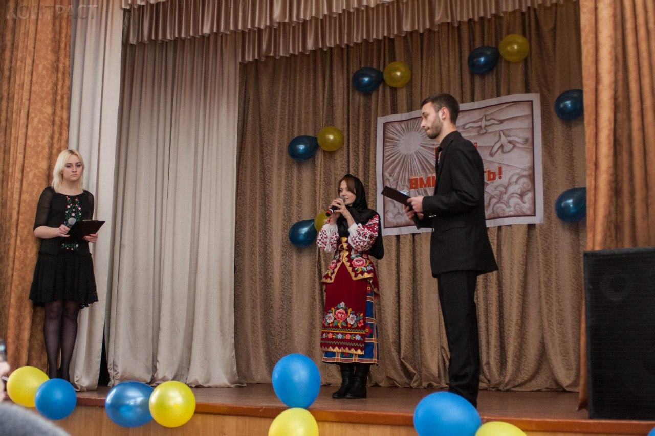 У Бердичівському коледжі промисловості, економіки та права вшанували Героїв, які поклали своє життя за майбутнє України