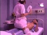 Красивая женщина медсестра невероятно веселая шутка Японии