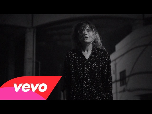 The Dead Weather - I Feel Love (Every Million Miles)