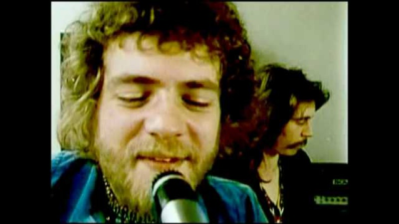 Stuck In The Middle With You - Stealers Wheel