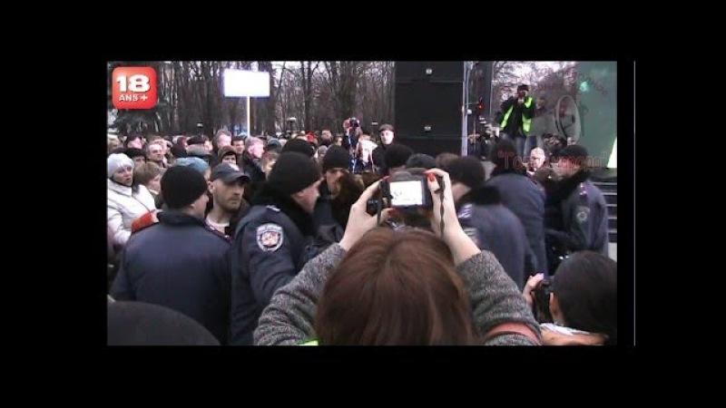 Жесть. Дружина трьох шахтарів, яка напевно отримує від біндер соцвиплати, закликає Донбас припинити годувати Західну Україну, Луганськ