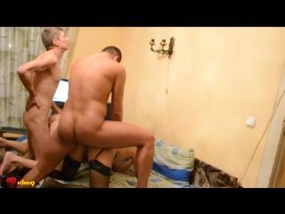 Русские мужики трахают шлюшек