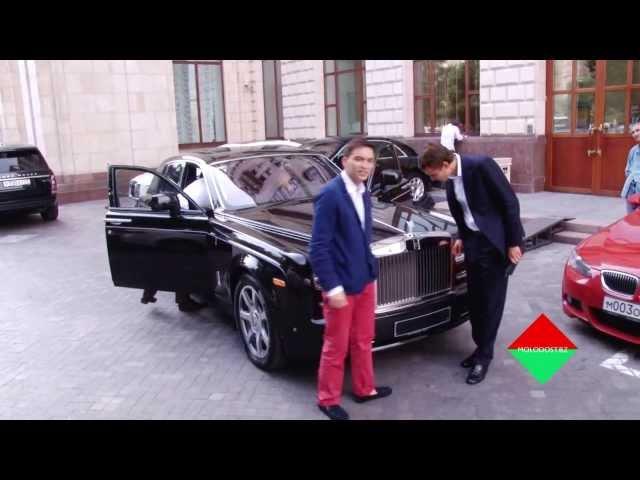 Rolls Royce больше не Анджелина Джоли Бизнес Молодость
