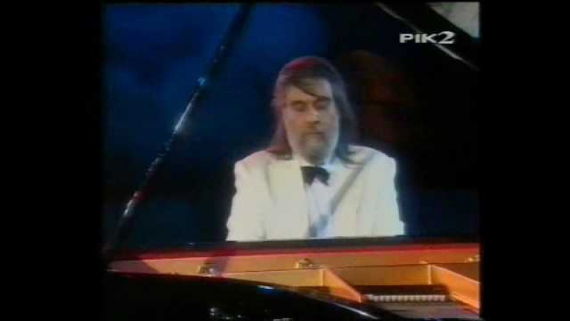 Chariots of Fire - Vangelis (Live in Athens - Greece) 1997