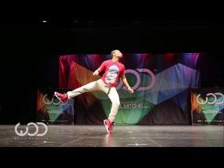 Танцор от бога! Очень забавный танец!