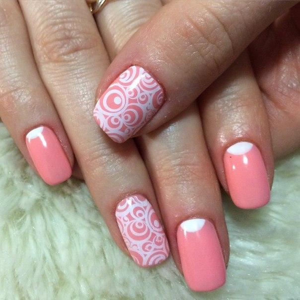 Дизайн ногтей коралловым цветом