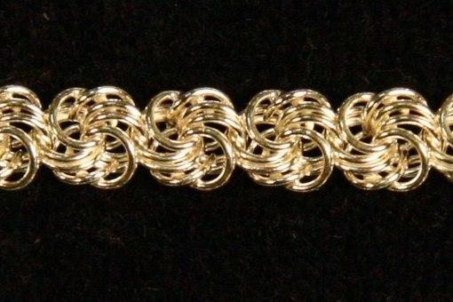 Плетение золотых браслетов роза
