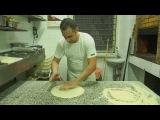 Как готовят пиццу в Итальянском ресторане. Это самая простая, дешевая, а потому и самая  потребляемая пицца - МАРГАРИТА