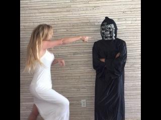 Lelepons on Instagram: �White girls vs black girls in horror movies